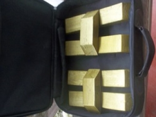 AU GOLD DUST,GOLD BARS AND ROUGH DIAMONDS AVAILABLE IN LARGE QUANTITIES.